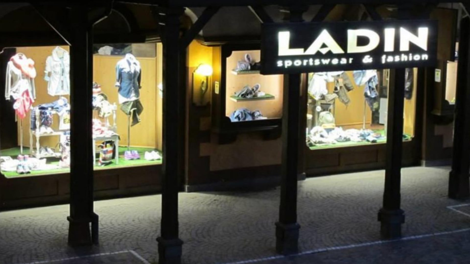 LADIN SPORTSWEAR & FASHION